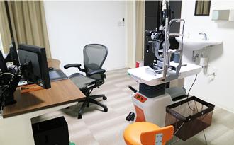 眼科診察室写真