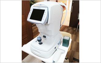 非接触型眼圧検査写真